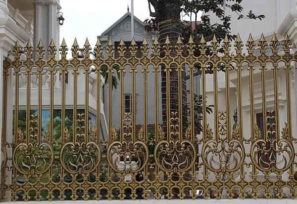 Hàng rào nhôm đúc sang trọng cho biệt thự